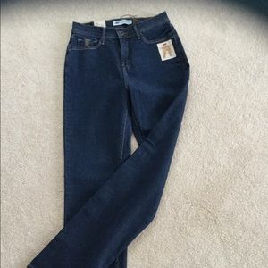 NWT Levi 512 Straight Leg Jeans - Size 6M/28